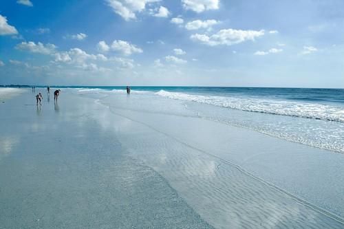 Siesta Key Beach (image from orlandosentinel.com)