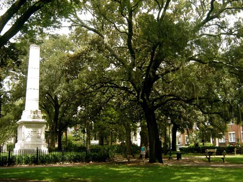 A monument to Baron Casimir Pulaski stands in the center of Monterey Square. Pulaski gave his life during the Revolutionary War's Seige of Savannah. (image from savannah-georgia-vibe.com)