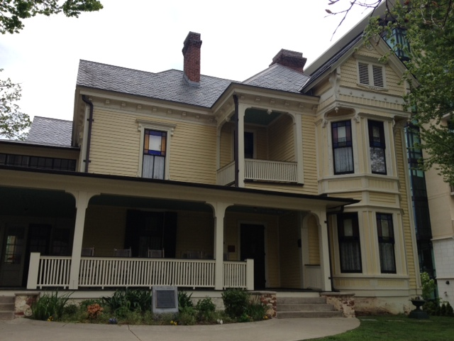 Exterior of the boardinghouse Wolfe recreates in Look Homeward, Angel