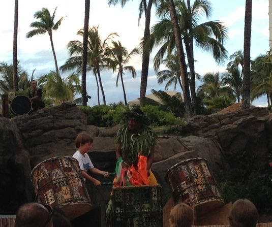 Thomas made a luau stage appearance within half an hour of his arrival.