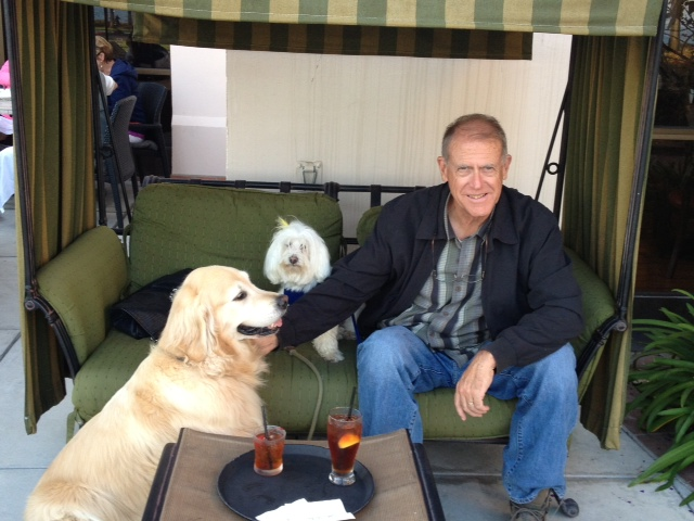We had dinner on the Doubletree terrace, dogs included.