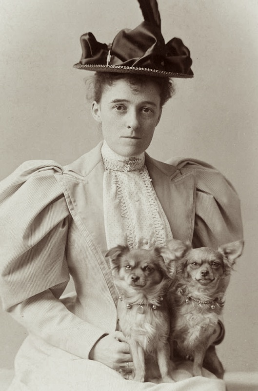 Edith Wharton with two of her beloved dogs (image from thefabulousbirthdayblog.blogspot.com)
