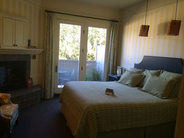 Our cheerful little room at the Inn at Sonoma.