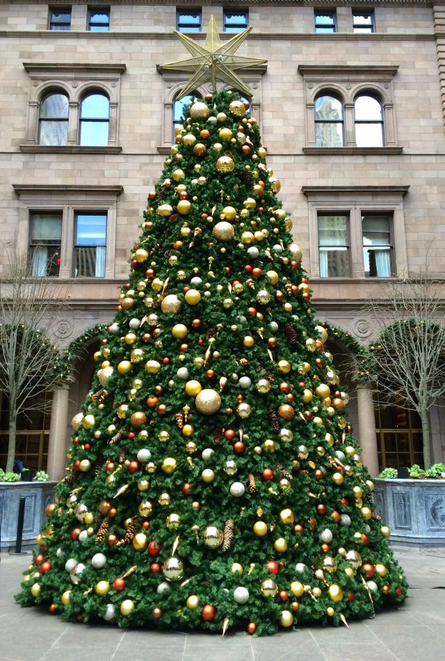 The Christmas tree at The New York Palace