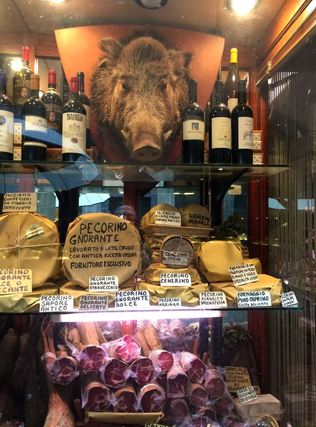 The wild boar seems to be the patron saint of Orvieto, because one gazes down at you from the wall of every salumeria.